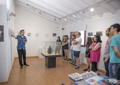 Visita guiada a la exposición Artilugios para Iusionar de Miguel Herrero Herrero.